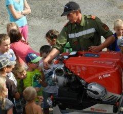 Wir sind immer auf der Suche nach neuen Feuerwehr Kameraden/innen, wenn Du Interesse hast, ruf doch an.
